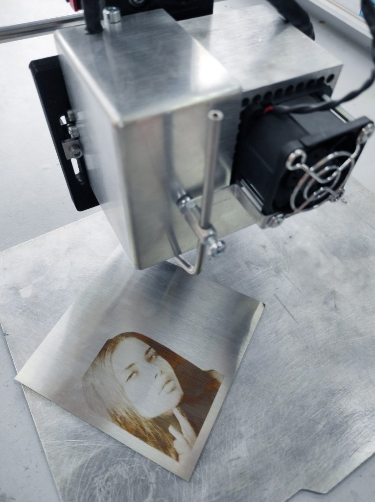 Stainless steel photo engraving