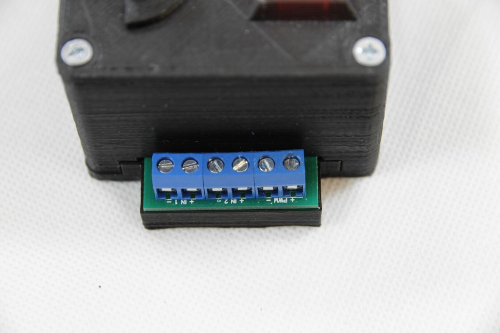 Review and an inspection of 5500 mW (5.5 watt) Ortur laser blue laser