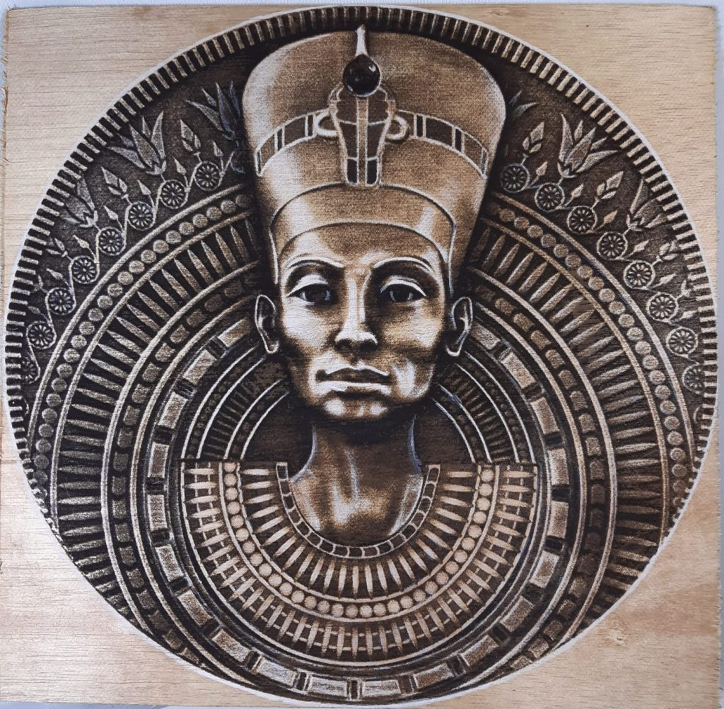 Queen Nefertiti reigned in the 18th Egyptian Dynasty, the wealthiest in Egyptian history, immediately prior to the ascension of Tutankhamun